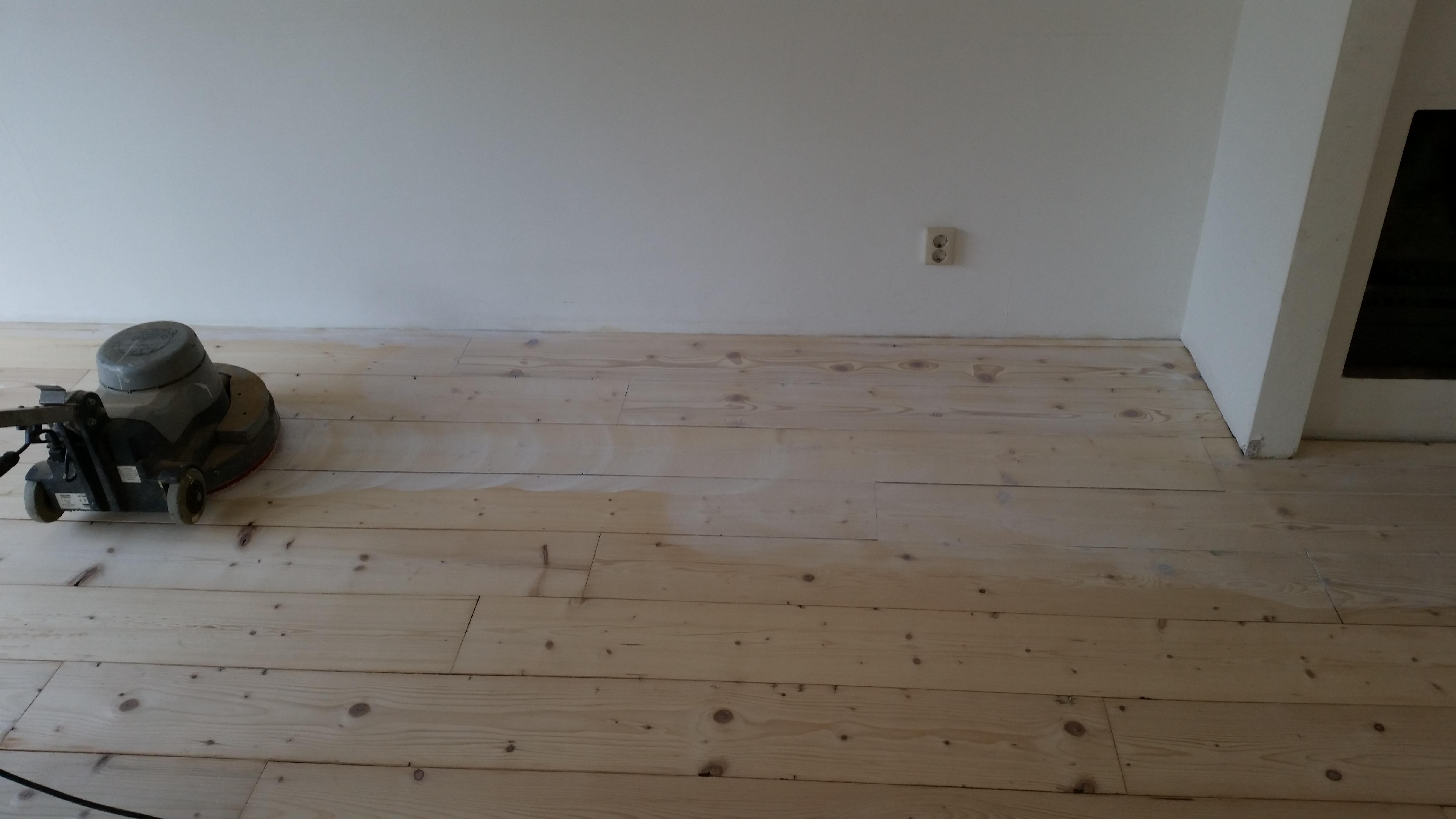Grenen Vloer Behandelen : Uw houten vloer kleuren mooievloeren vloerenspecialist